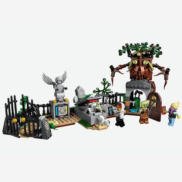 link to Lego Hidden Side Graveyard Mystery